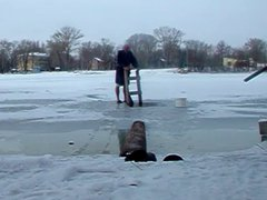 Skinny Dip vidz into Freezing  super Water #3