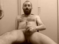 Bearded man vidz getting his  super cock wanked