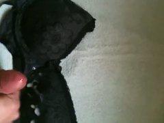 cum on vidz friends black  super bra