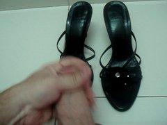 Cum on vidz black sandals