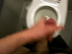 jerk in vidz public bathroom