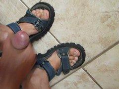 cum on vidz feet