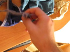 Sniffing wife vidz panties, Oliendo  super las bragas de mi mujer.