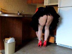 Sissy Ray vidz in the  super Kitchen 1