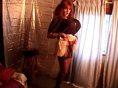 Miss Gwen vidz The LegMistress  super Jerking Her Cock And Ringed Balls