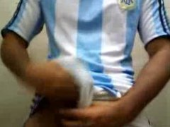Boy: Brazil vidz or Argentina  super ?