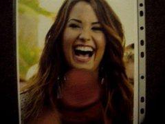 Tribute 16 vidz - Demi  super Lovato gets a mouthful!