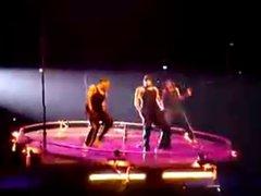 Chris Brown's vidz Hard Performance