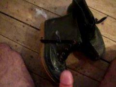 Cum on vidz rubber boots