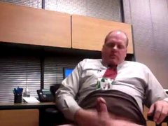 Older executive vidz dad jacking  super off at the office