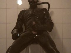 Cumshot in vidz heavy rubber