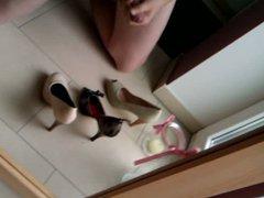 Cumshot in vidz High Heels,  super wanking hot wifes heels