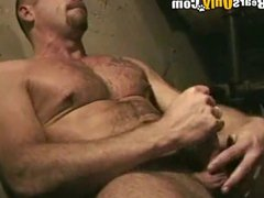 Mature Man vidz Jerking Off