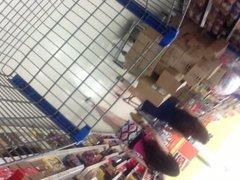flashing in vidz supermarket