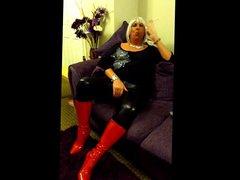 Chrissie smokes vidz a 120  super in her new red stiletto boots