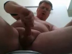 Daddy foams vidz at the  super mouth and shoots his load