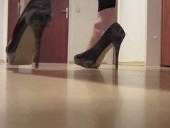 high on vidz heels