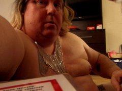 Bear gives vidz amateur CD  super hot facial
