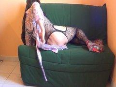 Fishnet & vidz sofa
