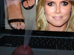 Masturbating to vidz Heidi Klum's  super Sexy Feet
