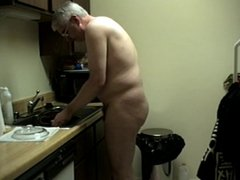WORKING NUDE vidz IN KITCHEN