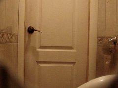 crossdresser in vidz the womens  super restroom