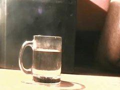 Cum in vidz a glass  super of water