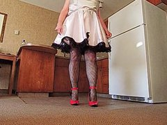 Sissy Ray vidz in pink  super Sissy Dress and Red Heels