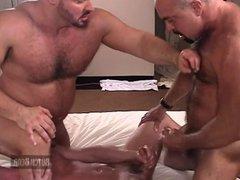 Muscle Bear vidz Hotel