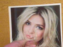 Holly Willoughby vidz Cum Tribute