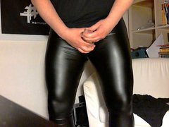 Shiny leggings vidz second try