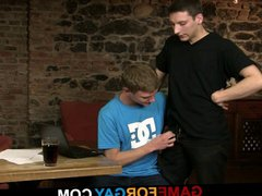 Hetero dude vidz gets pounded  super on the table