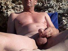 masturbating at vidz the nude  super beach
