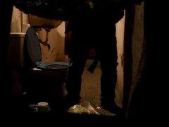 BATHROOM WANKERS vidz 4!!!!