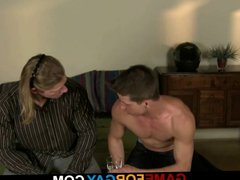 Hunky biker vidz gets invited  super for boning