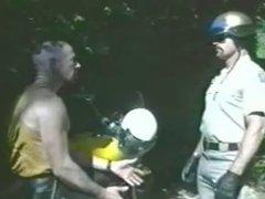 Bearded CHP vidz Cop gets  super Sucked