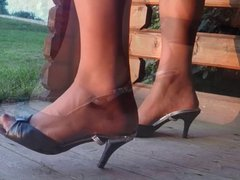 Feet and vidz Legs on  super Tour lV