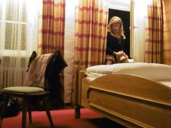 Tranny at vidz the Hotelroom