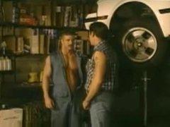 Se folla vidz al mecanico  super en su garaje