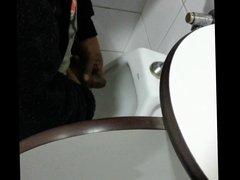 friend jerking vidz off at  super urinal