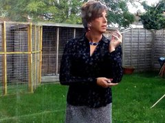 Tranny Housewife vidz Smoke Break
