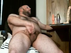 Beefy Bear vidz Wanks