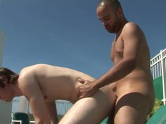 Manly hunk vidz lets his  super gay boyfriend suck his cock in the sun