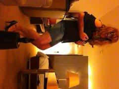 ik als vidz travestiet in  super hotel, me as a shemale in a hotelroom