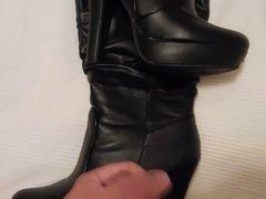 Cum on vidz black boots