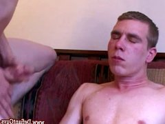 Straight amateur vidz dude gets  super two facials