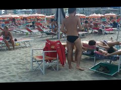 Let's spy vidz next door  super Italian males in speedos apl0