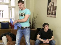 Gay dude vidz seduces a  super worker from the street
