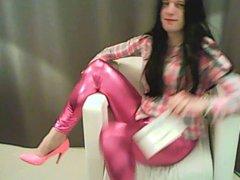 in shiny vidz pink
