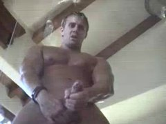 Muscled guy vidz jizzing all  super over glass table
